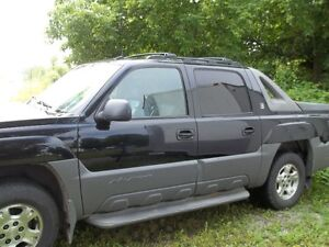 2002 Chevrolet Avalanche North Face Edition Pickup Truck