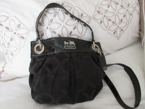 COACH BAG PRISTINE CONDITION