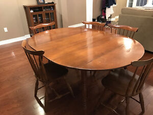 Vilas Solid Wood Table And 6 Chairs