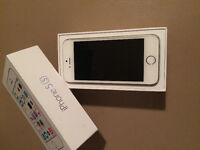 iPhone 5s Brand new with full AppleCare warranty