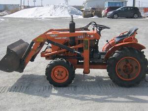 tracteur 4x4 diesel kubota B7100