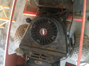 murrry lawn tractor 18 hp brigs i/c motor