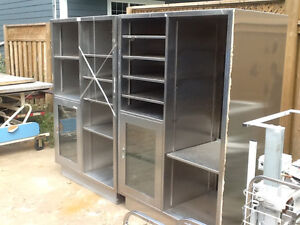 Stainless steel and aluminum shelf with wheels