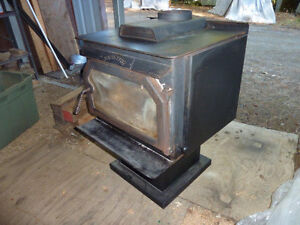 OLD WOOD STOVE Sarnia Sarnia Area image 2