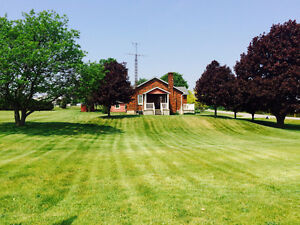 Beautiful & Charming Country Home. Great Location! Big Lot.