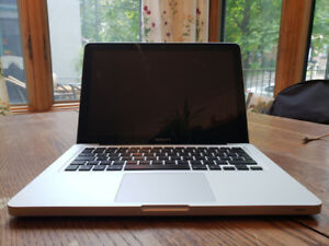 MacBook Pro Mid 2012 - i5 2.5ghz - 4gb RAM - 500gb HDD