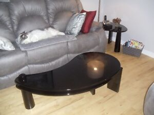 COFFEE AND END TABLES - GREAT CONDITION