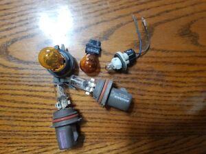 Assorted Bulbs - Headlights - Signals - Kick Pannel - PNT/GM/CHV