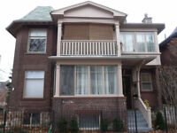 BEAUTIFUL 3 BEDROOM + DEN APT. IN THE BEACHES AVAILABLE JULY 1ST