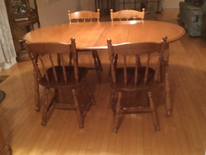 Solid Maple Dining Table with 4 Chairs