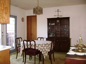 Solid WOOD Dinning Suite includes China Cabinet,