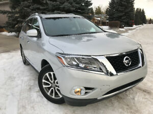 No Tax - Pristine 2013 Nissan Pathfinder SL, leather, loaded