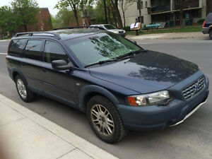 2002 Volvo V70.XC (Cross Country) . Good condition. 2200$