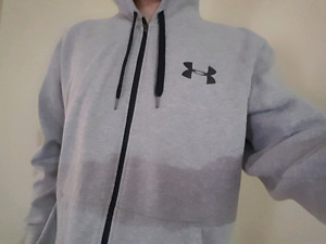 Under Armor sweater like new
