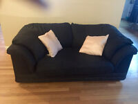 Really comfortable black loveseat