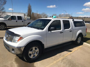 2007 Nissan Frontier 4x4 Crew Cab with Canopy