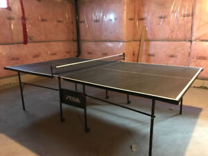 Tennis ping pong table