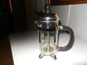 Bodum Chambord 4-cups coffe maker West Island Greater Montréal image 1