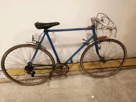 Vintage Mens Road Bike (Raleigh Possibly)