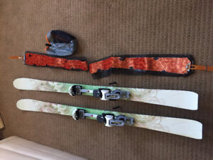 Women's touring skis with skins