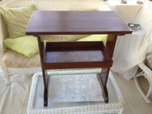 Vintage End/Night Table