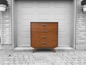 Commode en noyer Mid Century