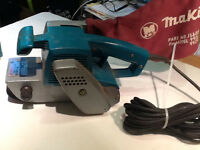 MAKITA 3X21 inch BELT SANDER