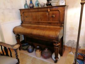 Upright piano John broadwood, not playable, lovely wood, Decor featur