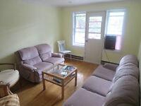5 1/2 Premier étage Duplex dans NDG - Dès JANVIER - RABAIS 250$