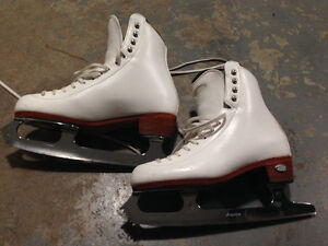 Riedell Figure Skates Size 4 wide