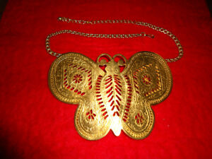Sex in the City butterfly necklace