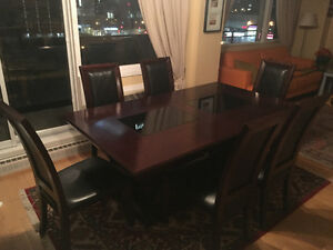 DINING TABLE WITH SIX LATHER CHAIRS