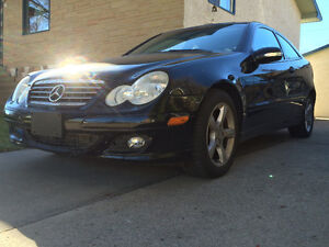 2005 Mercedes-Benz 230-Series SPORT KOMPRESSOR Coupe (2 door)