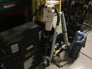 Vérin électrique 3500 livres avec lumière intégré