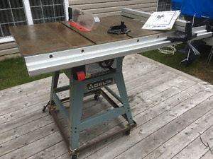 10 Inch Professional Delta Table Saw 1.5 HP. Model 36-650