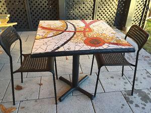 Table céramique artisanale intérieure ou extérieure