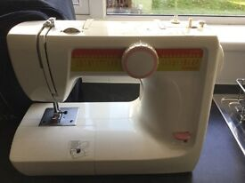 Toyota SV2000 sewing machine