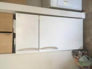 Réfrigérateur poêle laveuse sécheuse