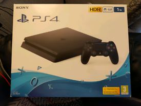 Sony PS4 Slim|HDR|4TB HDD|5 Games|1 DS4 Controller