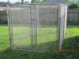 dog gate in excellent condition