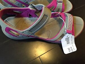 Ladies size 9 Merrell sandals - new with tags and box Kitchener / Waterloo Kitchener Area image 2