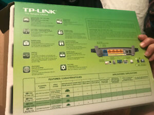 TP LINK AC1200 ROUTER