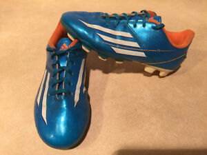 Kids Adidas F5 Outdoor Soccer Cleats Size 3 London Ontario image 6