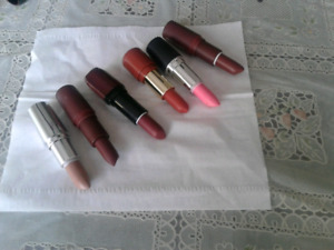 New lip sticks lot