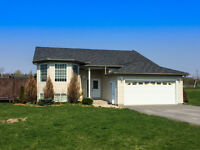 Bungalow in Seeleys Bay on 1/2 acres: 5228 Dundon Dr for Sale!