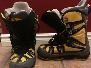 Burton Mens Freestyle Size 10 Snowboard Boots