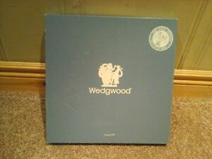 Wedgewood plate collectible with original box and original paper Kitchener / Waterloo Kitchener Area image 2