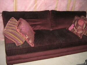 CRICKLEWOOD FURNITURE COUCH