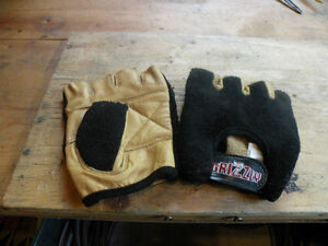 Grizzly Exercise Wieght Training Gloves Kawartha Lakes Peterborough Area image 1