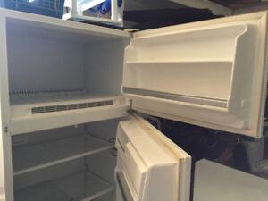 Réfrigérateur, idéal pour garage... fonctionne bien